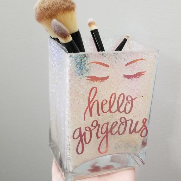 NEW Hello Gorgeous Glitter Makeup Brush Holder